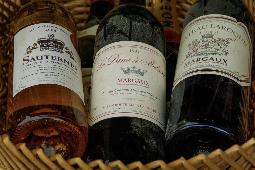Geld lenen in frankrijk als belg - lekker glaasje wijn er bij